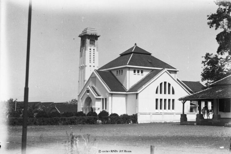 24058-bandung_kostel_24-v-1929