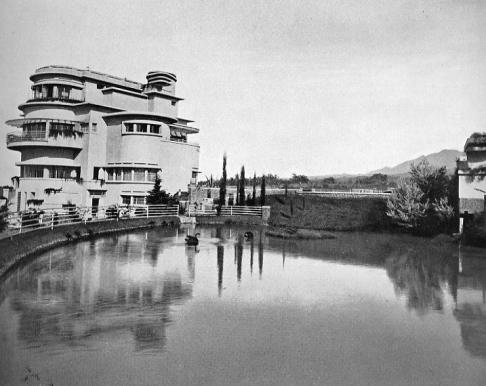 Villa Isola with vast pond and garden